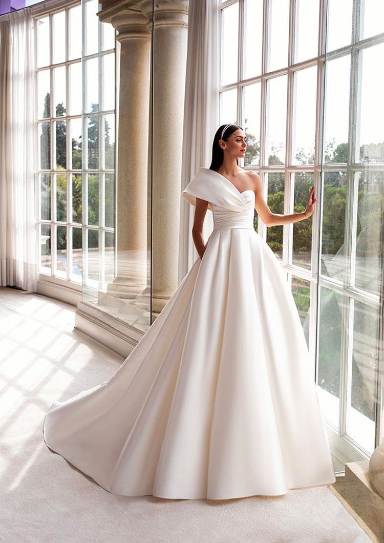 Immagini Di Vestiti Da Sposa.Vasta Collezione Di Abiti Da Sposa Bergamo E Provincia